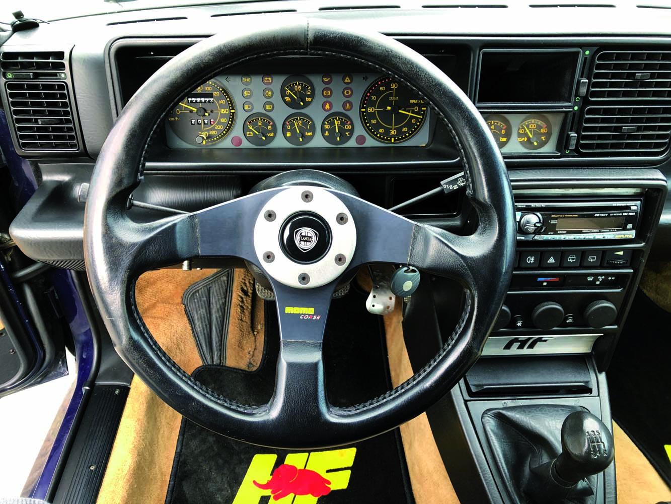 (6) Interieur Lancia accessoire